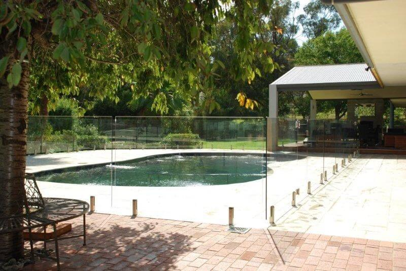 Glass Pool Fencing Melbourne - Frameless Glass In ESSENDON