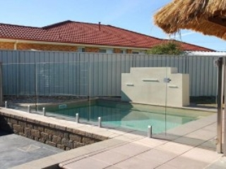 Glass Pool Fencing Melbourne - Frameless Glass In TOORAK