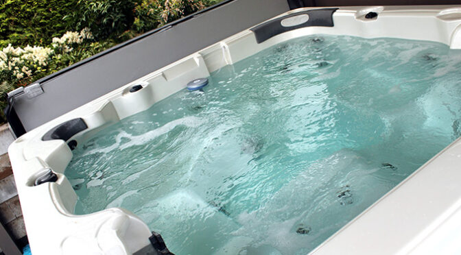 Glass Fencing - Melbourne - Why Glass Pool Fencing Is The Best Option For Your Spa