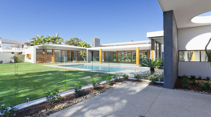 Is Glass Pool Fencing Safe