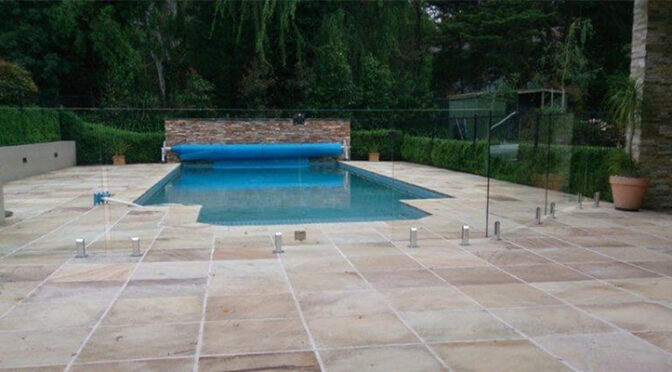 Replace Your Old Aluminium Pool Fencing With New Glass Fencing